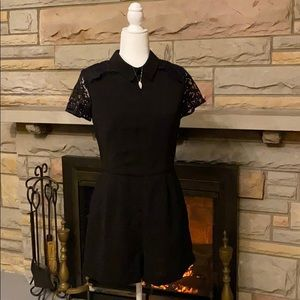 Forever 21 black lace cap sleeve romper size large